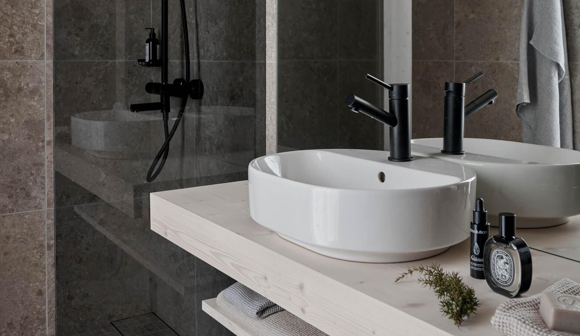 Uni Villa Suite kylpyhuone